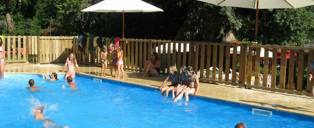 swimmingpool camping chantegril